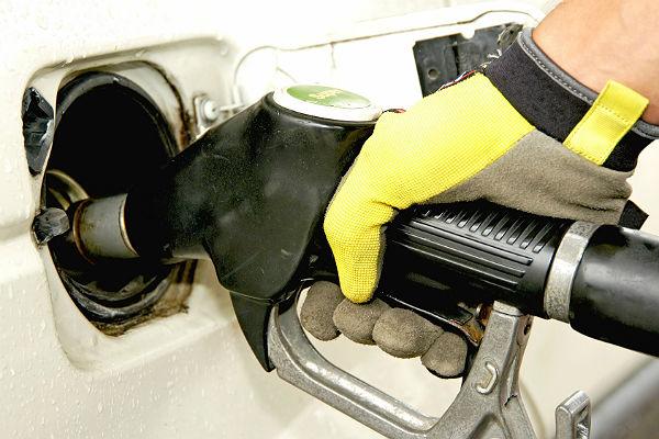 Британия за четверть века откажется от машин на бензине и солярке