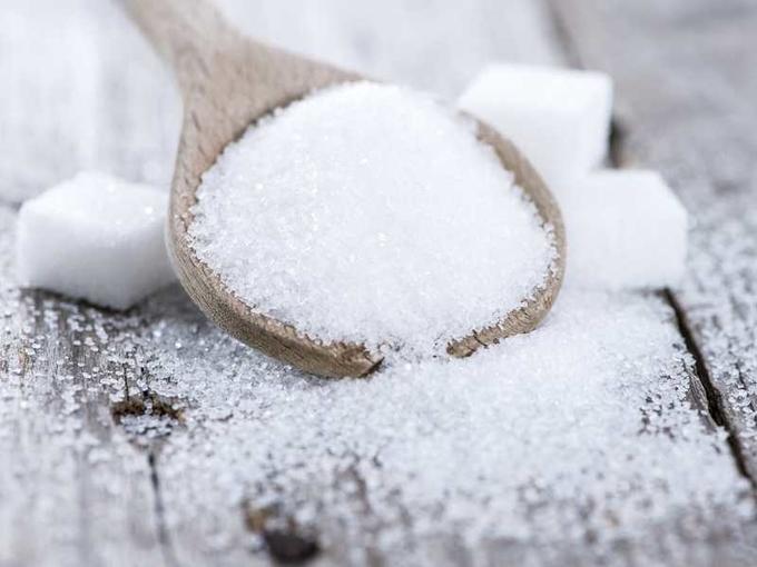 К чему рассыпается сахар: 10 народных примет - Smak.ua