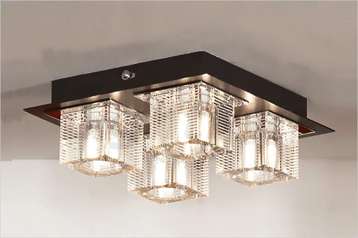 Потолочный накладной светильник состоит из нескольких светильников