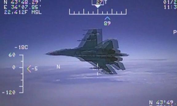 Появилось видео перехвата самолета-разведчика США российским Су-27