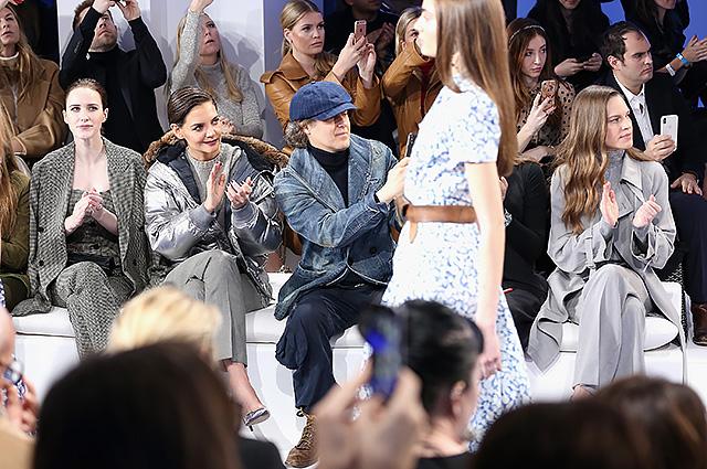 Белла Хадид с братом Анваром – на подиуме, Кэти Холмс и Рози Хантингтон-Уайтли – в первом ряду на показе Ralph Lauren