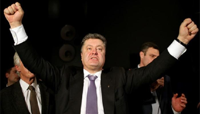 Порошенко заявил о «полной и безоговорочной победе»: теперь у него есть всё, чтобы вернуть Крым и Донбасс