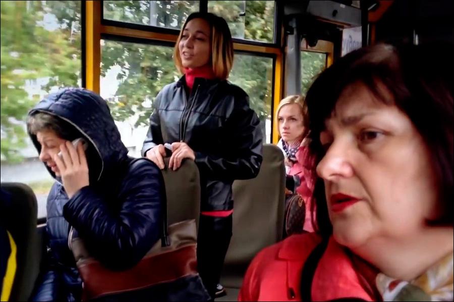 «Сенсация из Крыма!» — люди в маршрутках поют гимн Украины ...