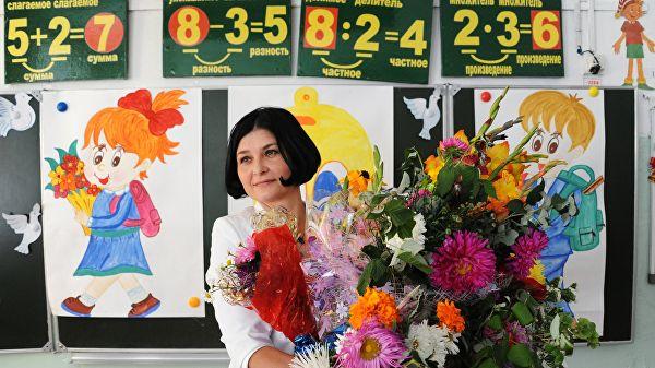 Врачам и учителям могут запретить принимать любые подарки, кроме цветов