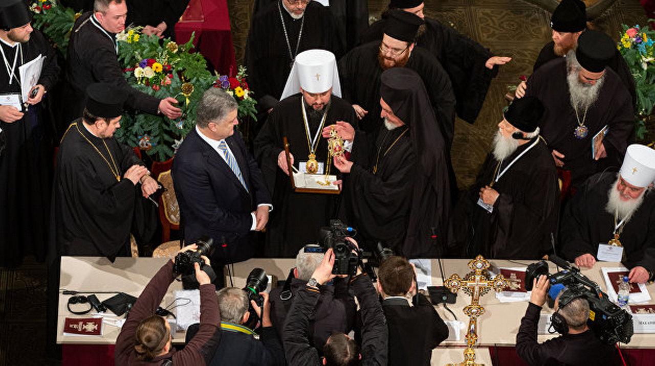 Коварство и интриги: новая украинская «церковь» накануне получения томоса