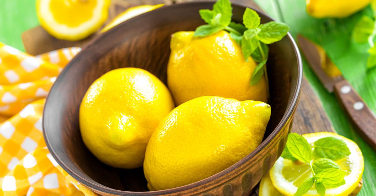 Зачем перед сном надо класть около кровати разрезанный лимон?