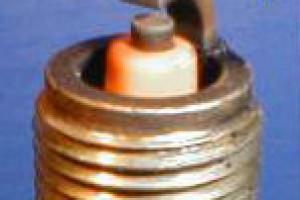 Как определить состояние двигателя по свече зажигания