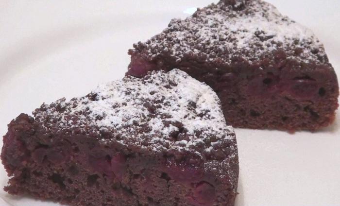 Шоколадный пирог с вишней и штрейзельной крошкой Десерт, Рецепт, Видео, Пирог, Кулинария, Длиннопост