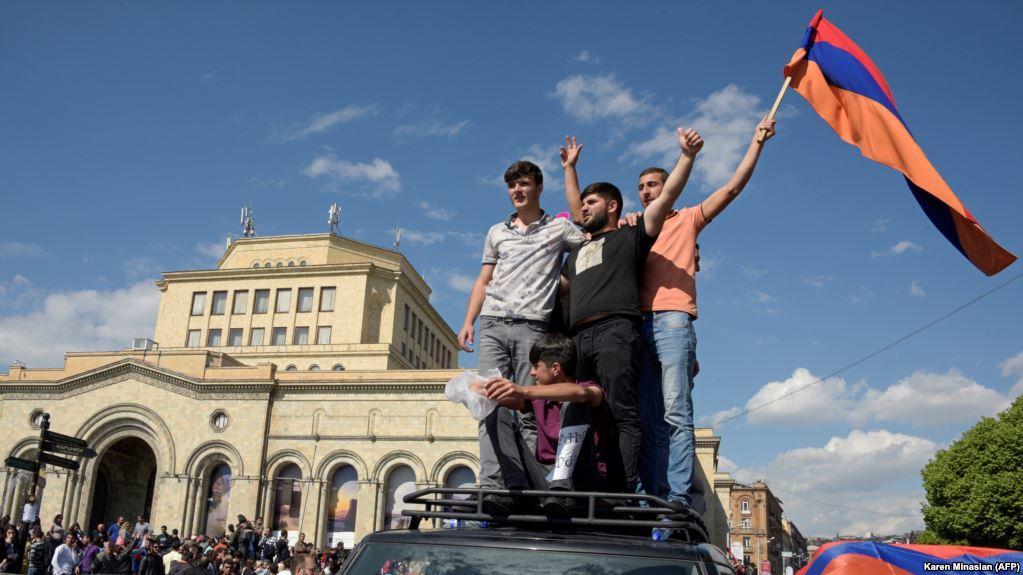 Бесконечный армянский майдан