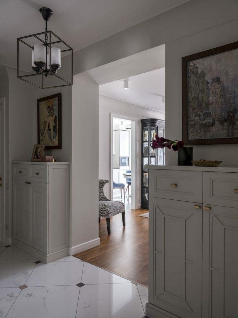 Элегантно и необычно. Шикарная большая квартира в современном классическом стиле
