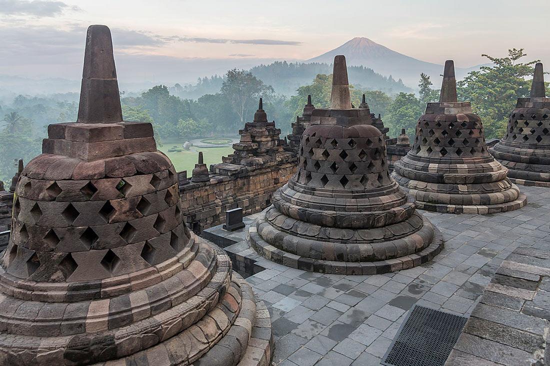 храмы Индонезии