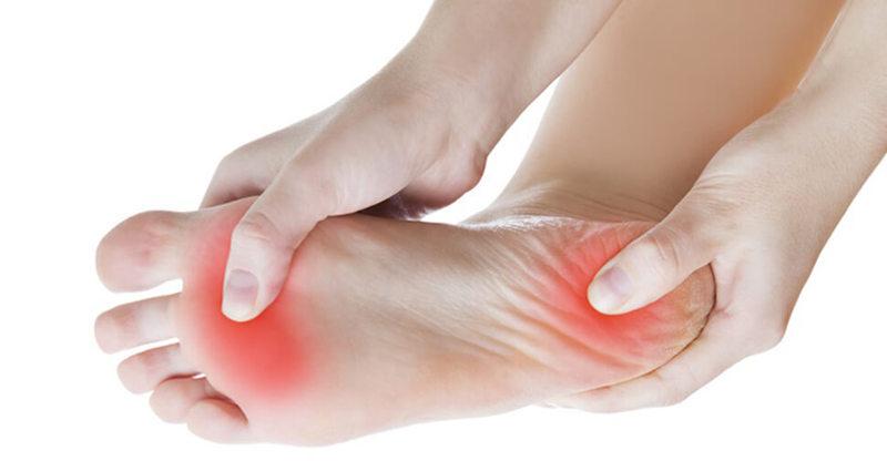 Вы просыпаетесь с болью в пятке? Настало время лечить подошвенный фасцит с этими упражнениями