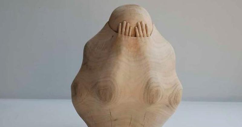 Тайваньский скульптор вырезает людские души из дерева