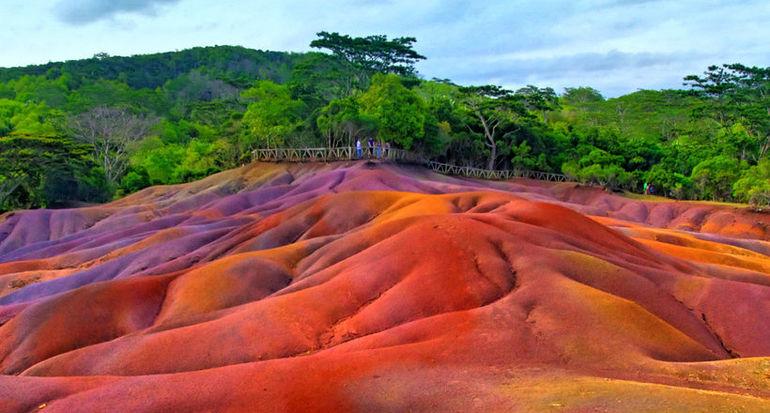 Картинки по запроÑу ТаинÑтвенные разноцветные пеÑки, риÑунок которых не может нарушить ни ветер, ни дождь