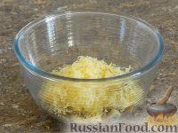 Фото приготовления рецепта: Салат с кальмарами и шампиньонами - шаг №11