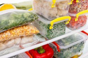 Какие продукты не стоит хранить в морозилке?