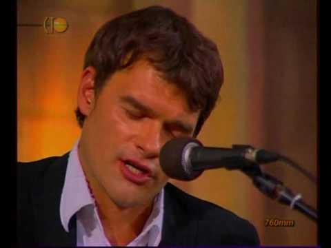 Трогательное и нежное исполнение песни «Ты у меня одна». До глубины души!