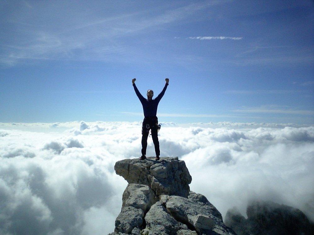 Успех - это сделать всех беднее и несчастнее себя
