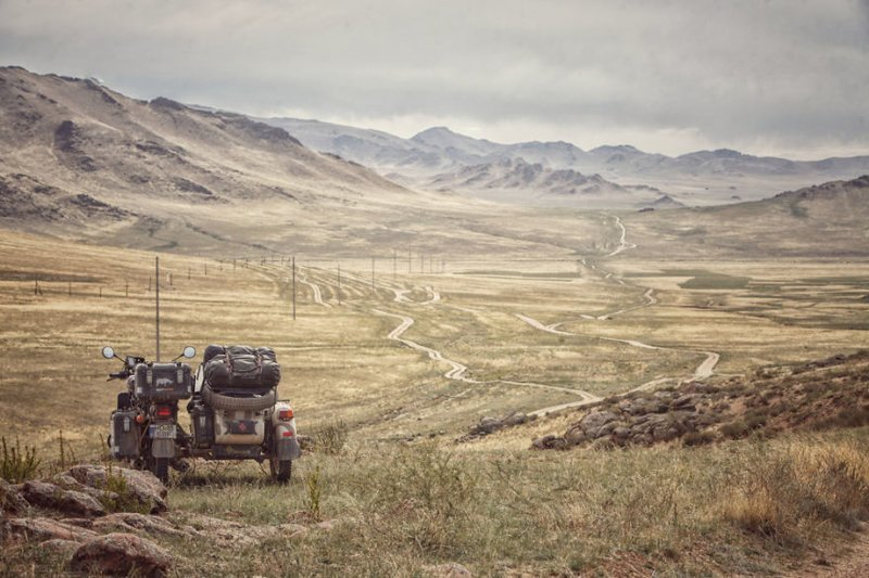 Дороги Монголии монголия, мотоцикл, мотоцикл с коляской, мотоцикл урал, путешественники, путешествие, средняя азия, туризм