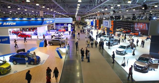 30 компаний отказались посещать Московский автосалон