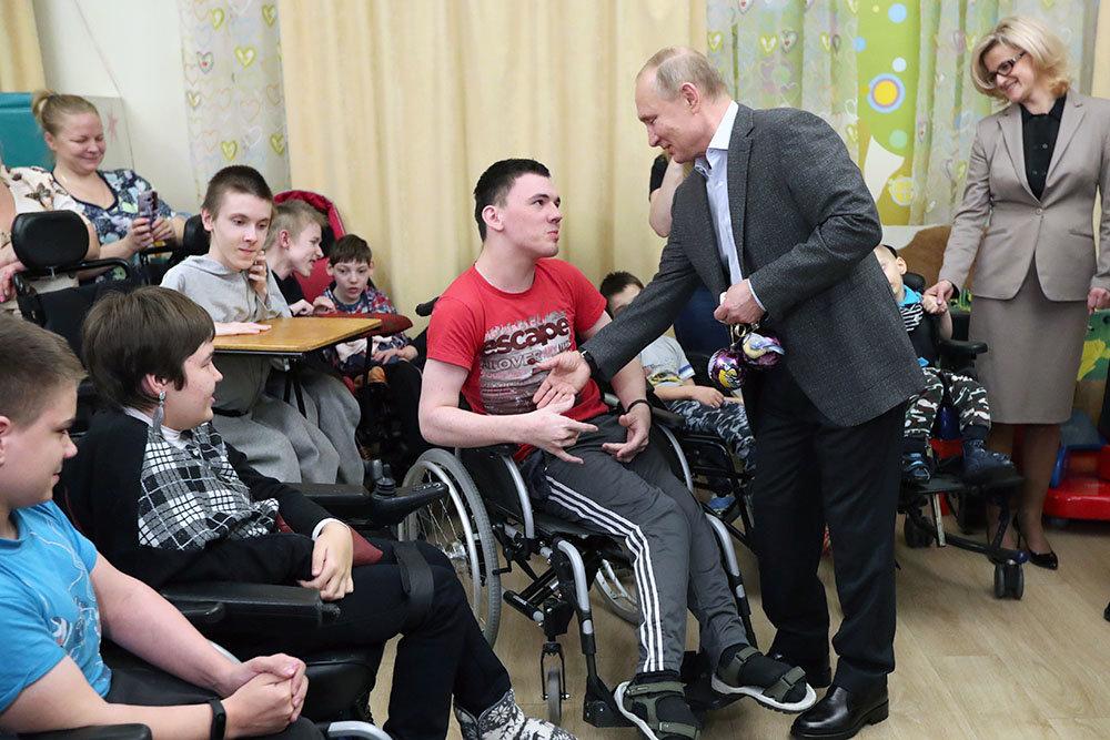 Владимир Путин приехал в детский хоспис