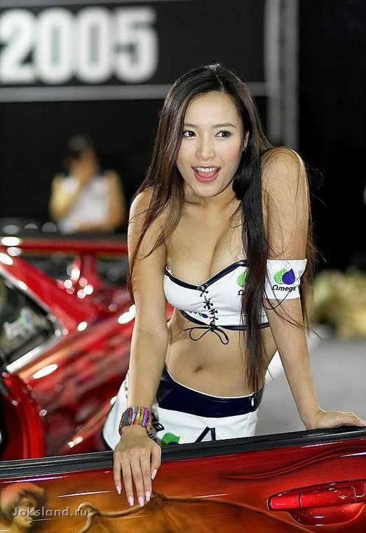 Японские красавицы и их машины