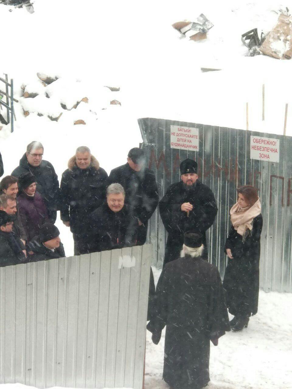 Порошенко хочет отдать Варфоломею храм, где был похоронен основатель Москвы