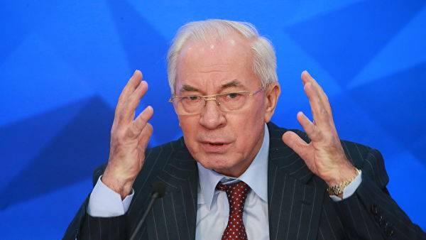 Азаров подвёл итоги по «успехам» Порошенко за пять лет: «Это катастрофа»