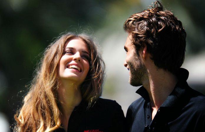12 неожиданных вещей, которые делают женщин привлекательными в глазах мужчин
