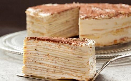 Торт «Крепвиль».  Нежный, не приторный, совершенно несложный в приготовлении.