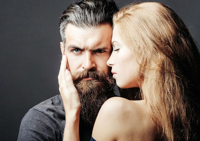Как мужчина манипулирует жен…