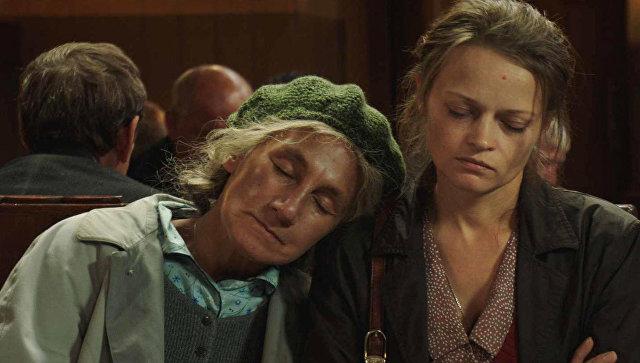 Кадр из фильма Кроткая