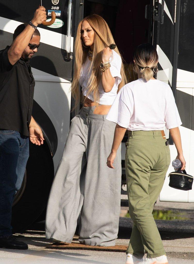 Мода, что ты делаешь: Дженнифер Лопес удивила своим нарядом Джей Ло, брюки, в мире, знаменитости, идея, мода, стринги