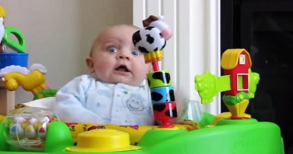 Реакция малыша, когда мама громко чихает. Я смеялась!