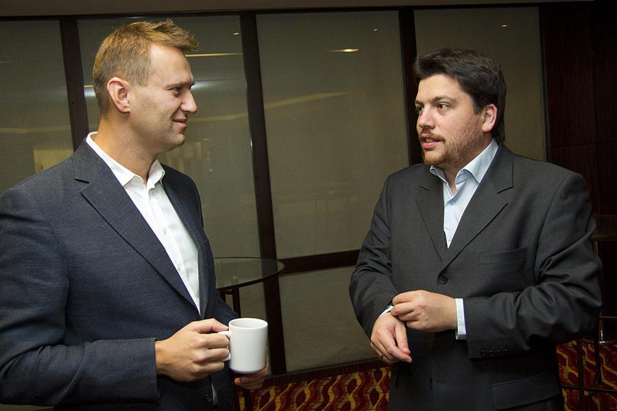 Навальный и Волков издеваютс…