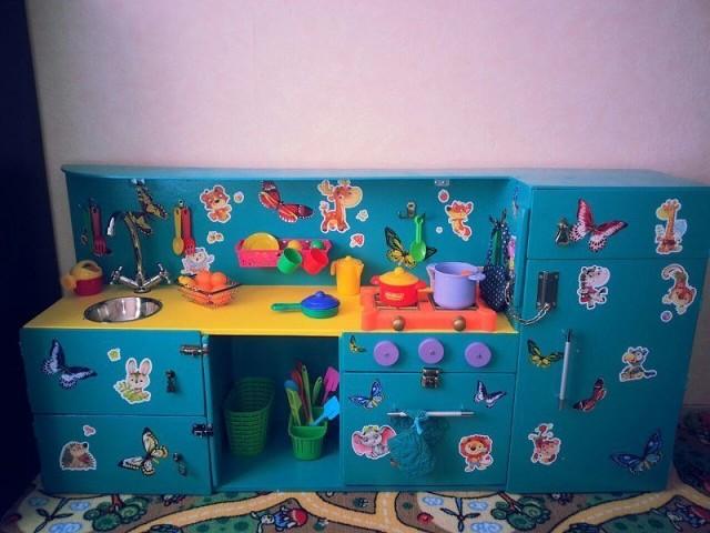 Кухня для дочки, сделанная папой!
