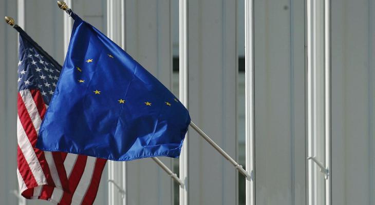 """Европа готовит драконовские меры в ответ на действия Вашингтона: ЕС и США ждет """"торговая война"""""""