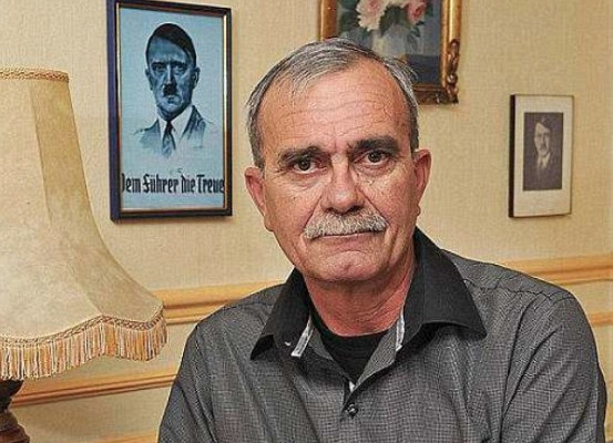 «Внук Гитлера» обратился кРоссии запомощью