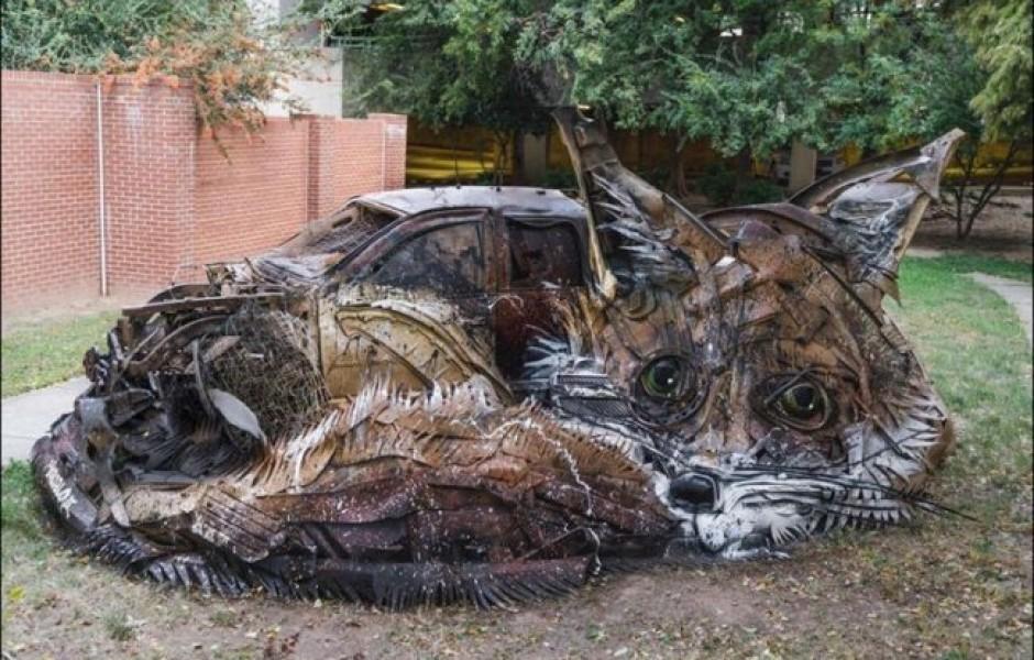 Удивительные скульптуры из мусора