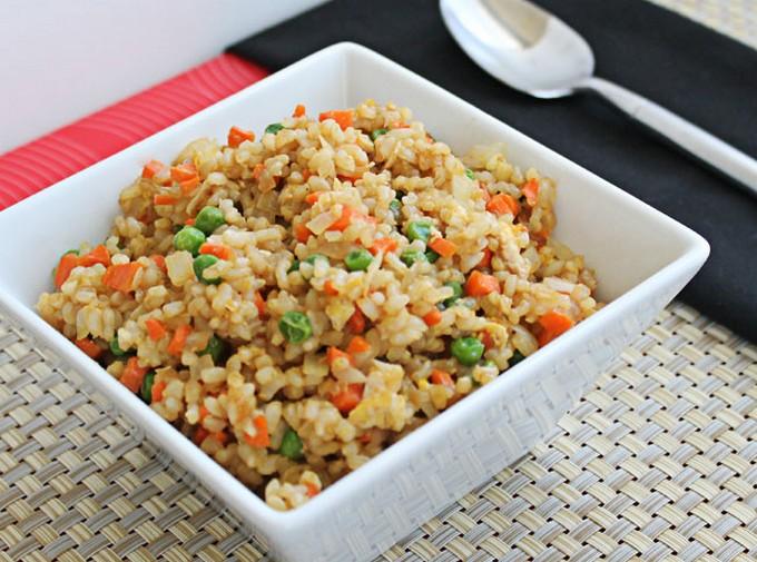 Китайский жареный рис с яйцом