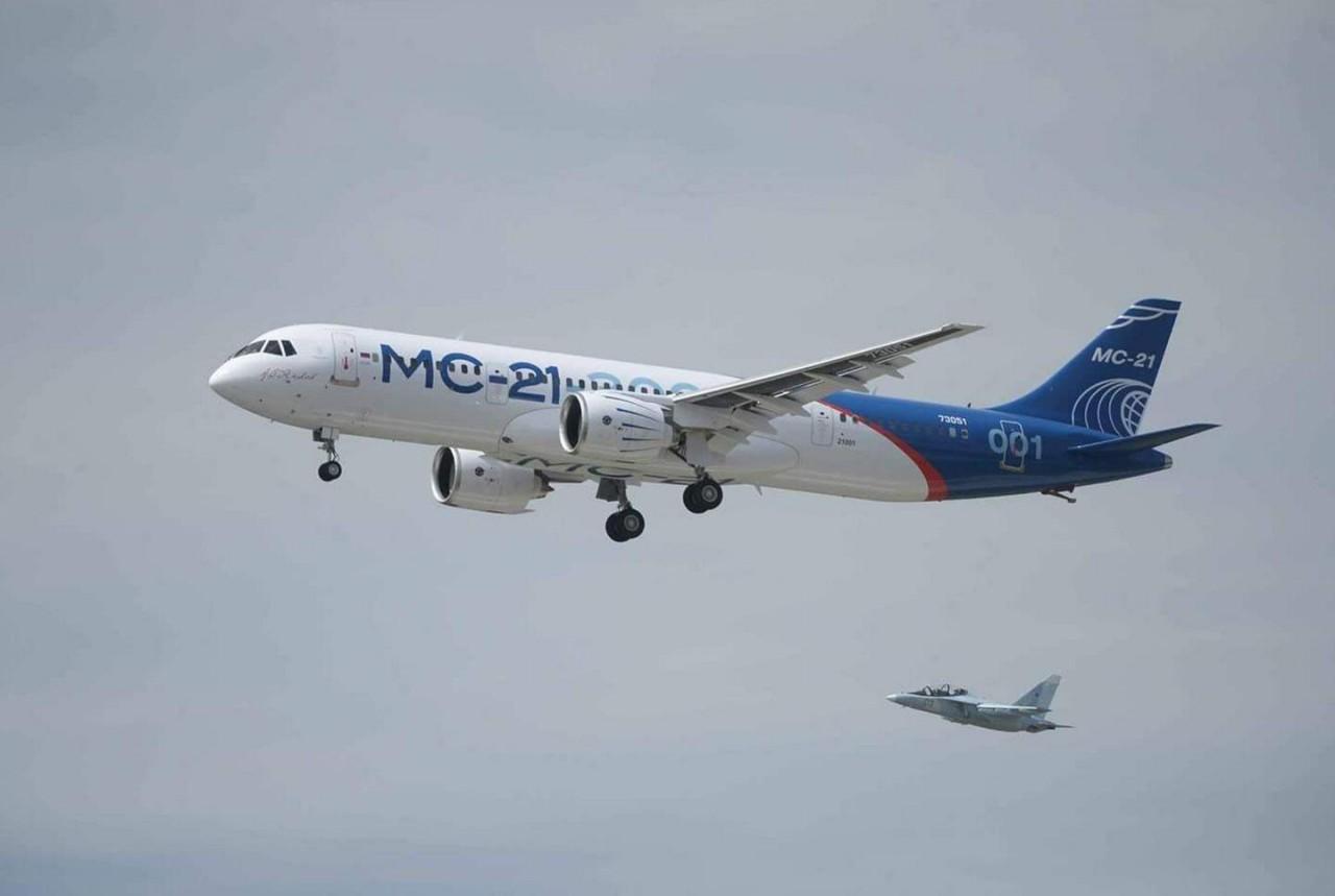 Рогозин заявил, что МС-21 стал проблемой для Airbus и Boeing