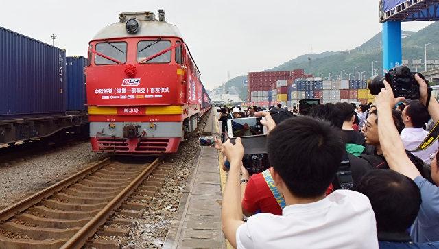 Китай запустил первый товарный поезд по новой железной дороге в Белоруссию