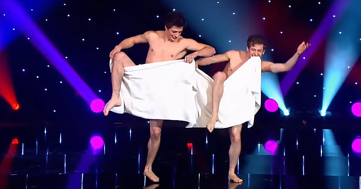 Танец с полотенцами от французской группы «Les Beaux Freres»