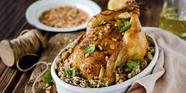 Фаршированная курица с рисом и мясным фаршем: простой рецепт