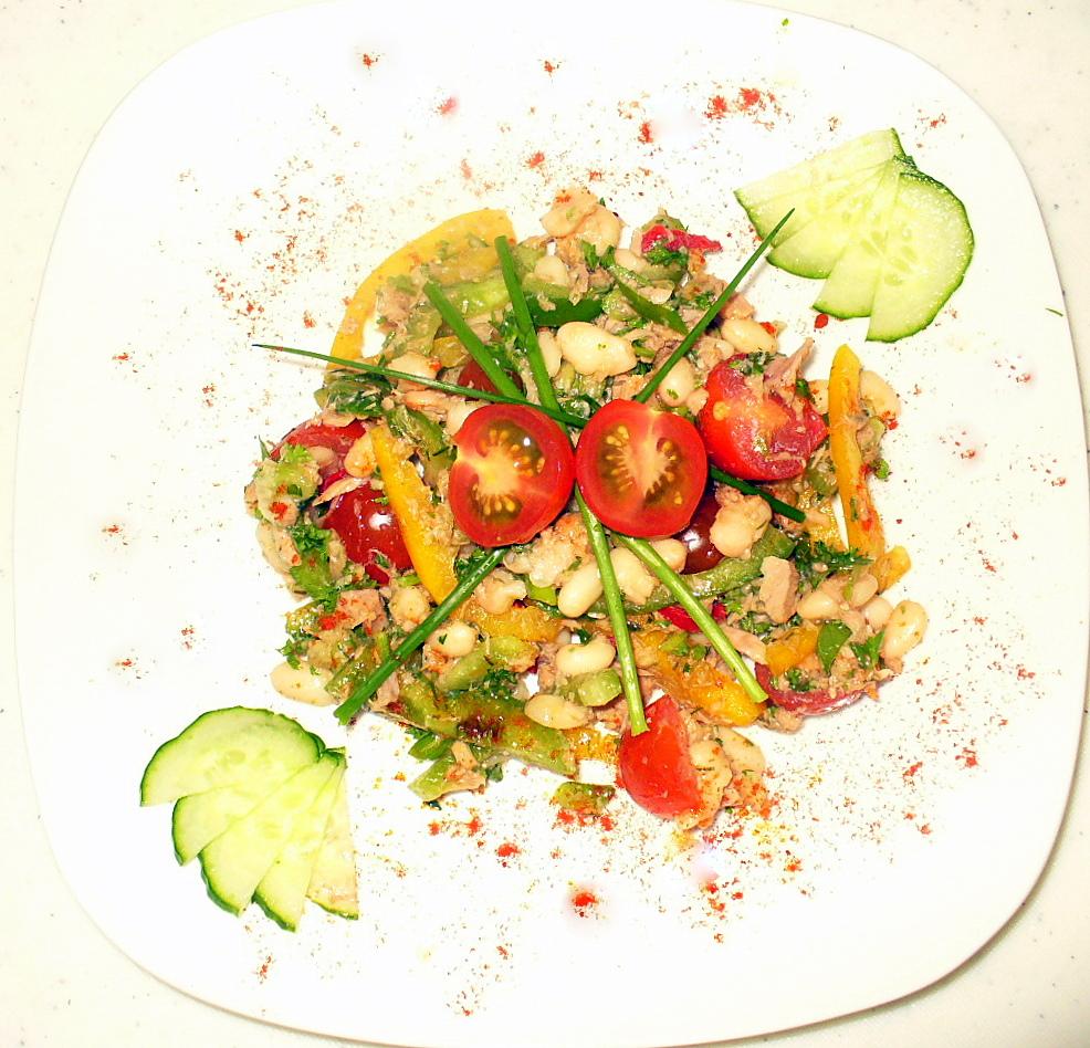 Салат из  тунца и бобов с овощами.Фото - Рецепт Olga Dell