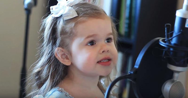 Ей всего три годика, а она уже так поет. От ее голоса мурашки по коже!