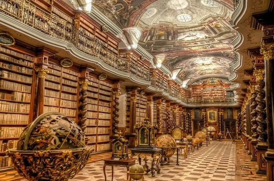 Прогулка по самой красивой библиотеке мира