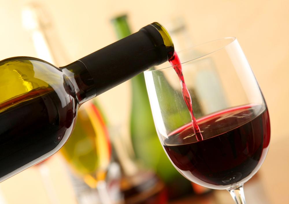 Красное вино защищает мозг и тело от старения