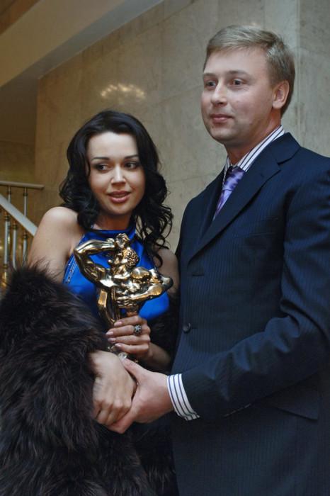 Дмитрий Стрюков и Анастасия Заворотнюк. / Фото: www.woman.ru