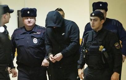 Сбивший близняшек в Москве водитель отправлен под домашний арест
